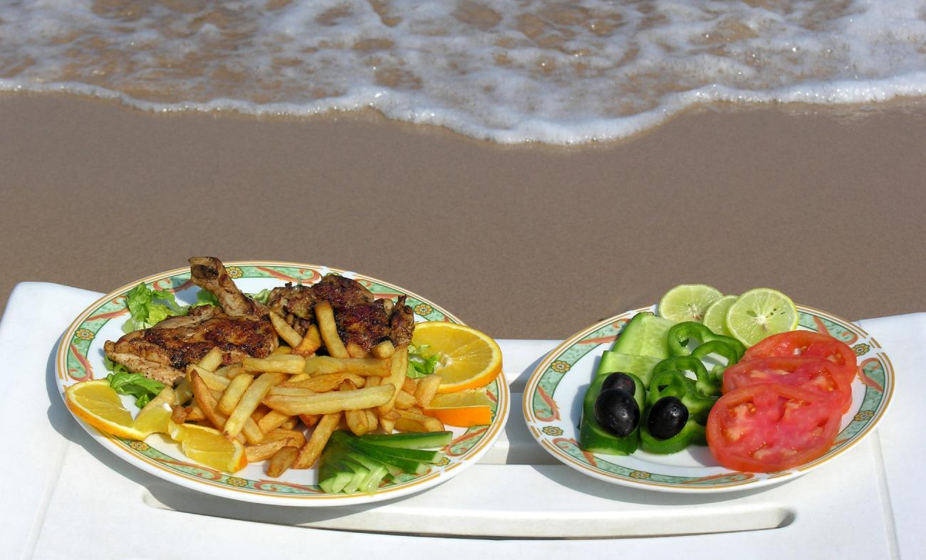 Cuidados no verão: Intoxicação alimentar.